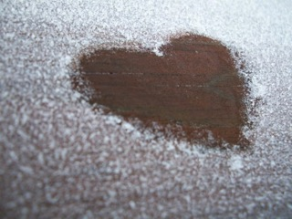 Frozen_heart_by_shanon_clark_2