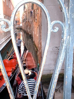 Venice_thru_bridge_2
