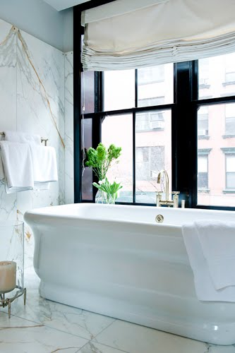 Bath_stand_alone_2_black_window_trim