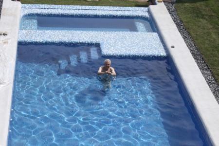 Papa in pool
