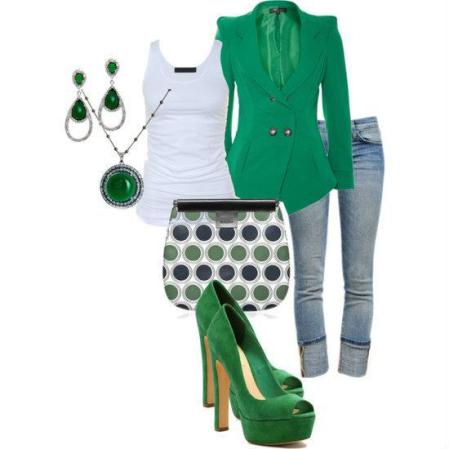 Emerald_green_outfit